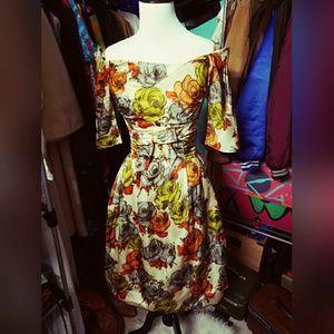 Stunning, VINTAGE, floral dress!!